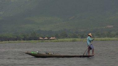 Inle lake, leg rower