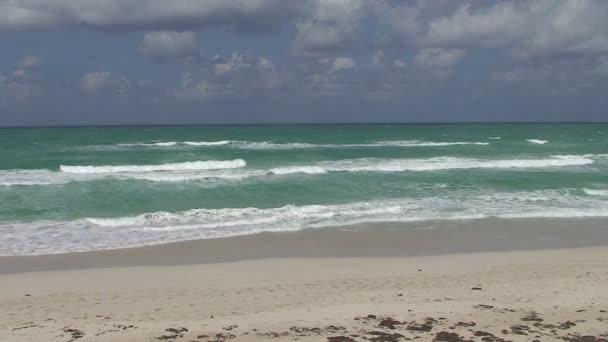 gyönyörű tengerparttól