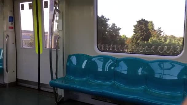 Metro v pohybu dopravy