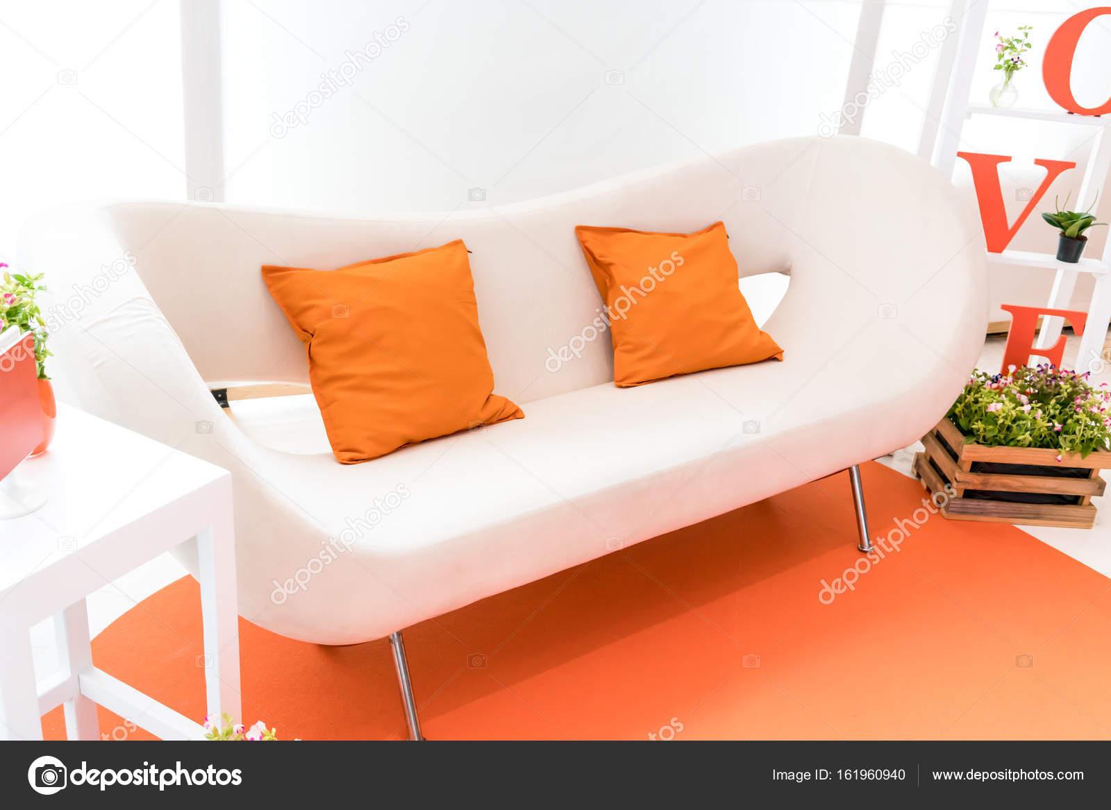 Wohnzimmer-Anzeige in orange Thema hautnah — Stockfoto © v74 #161960940