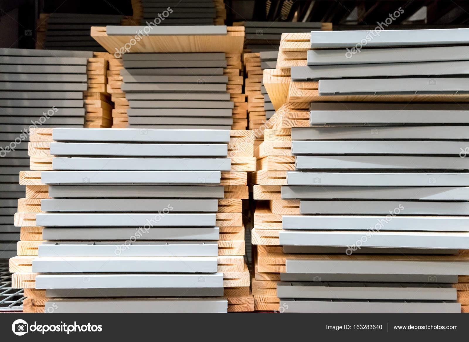 Pilhas de móveis de madeira ad96ecddf3743