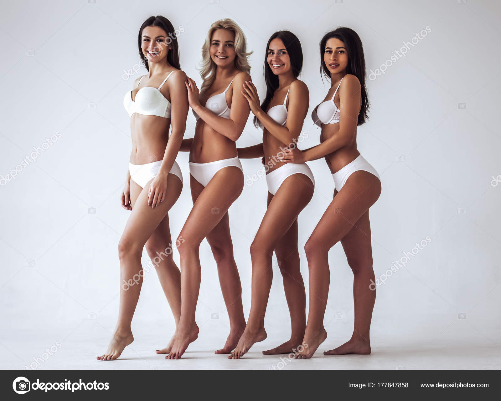 Sexy Frauen In Dessous Stockfoto 4pmphoto At Gmailcom 177847858