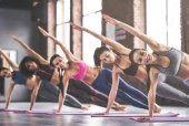 Fotografie Skupinové cvičení jógy