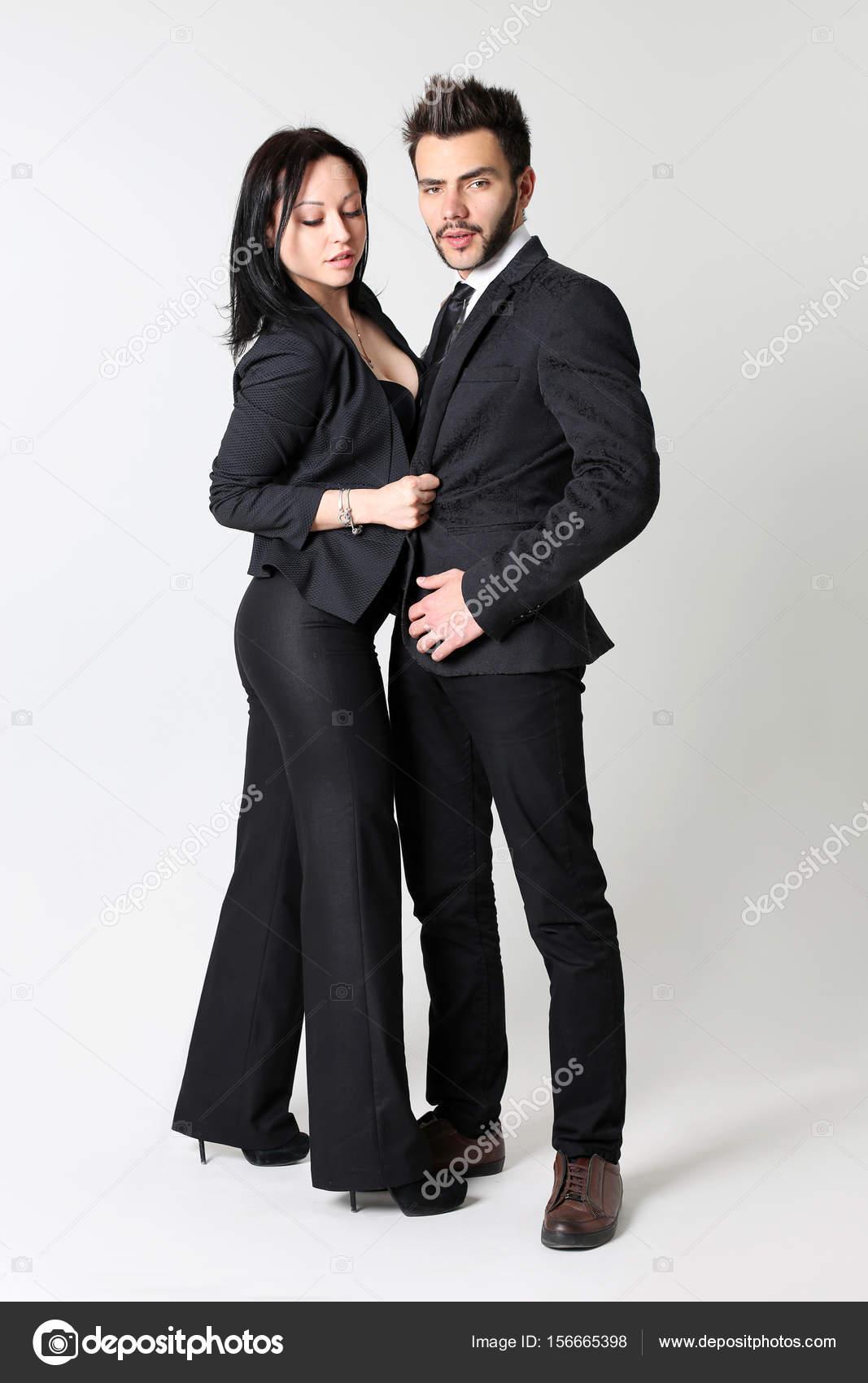60804e2be89 Mode homme et femme. Le concept d un magasin de vêtements pour hommes et  femmes– images de stock libres de droits