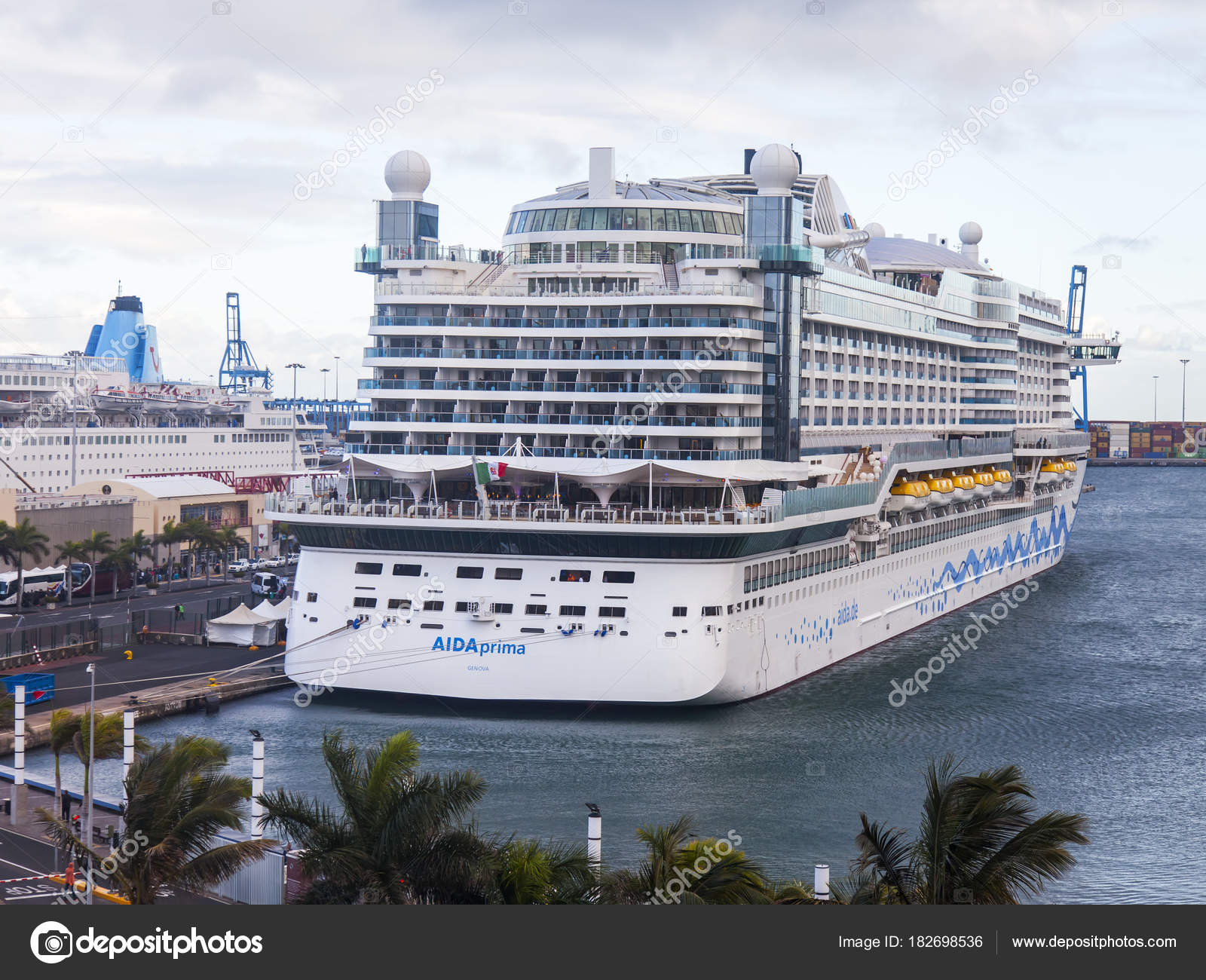 las palmas de gran canaria chat rooms Great savings on hotels in las palmas de gran canaria, spain online good availability and great rates read hotel reviews and choose the best hotel deal for your stay.