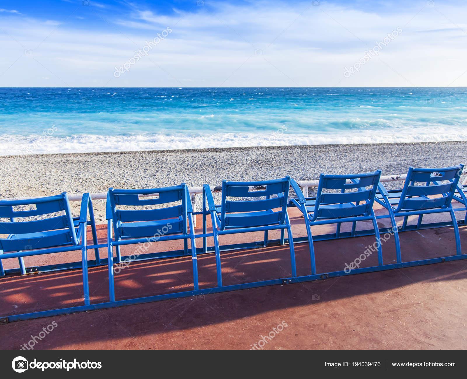 Sedie Blu Nizza : Nizza francia marzo sedie blu resto sulla promenade des