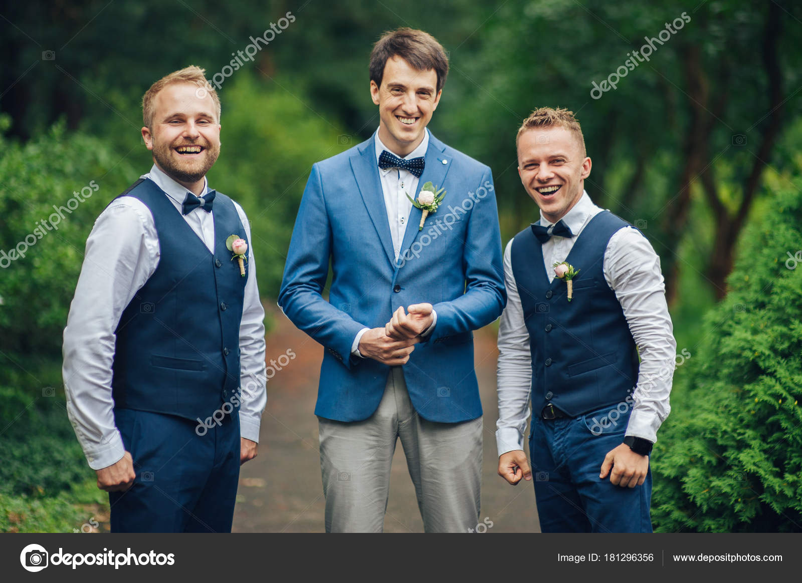 Stylish Groomsmen Groom Suits Posing Camera Park — Stock Photo ...
