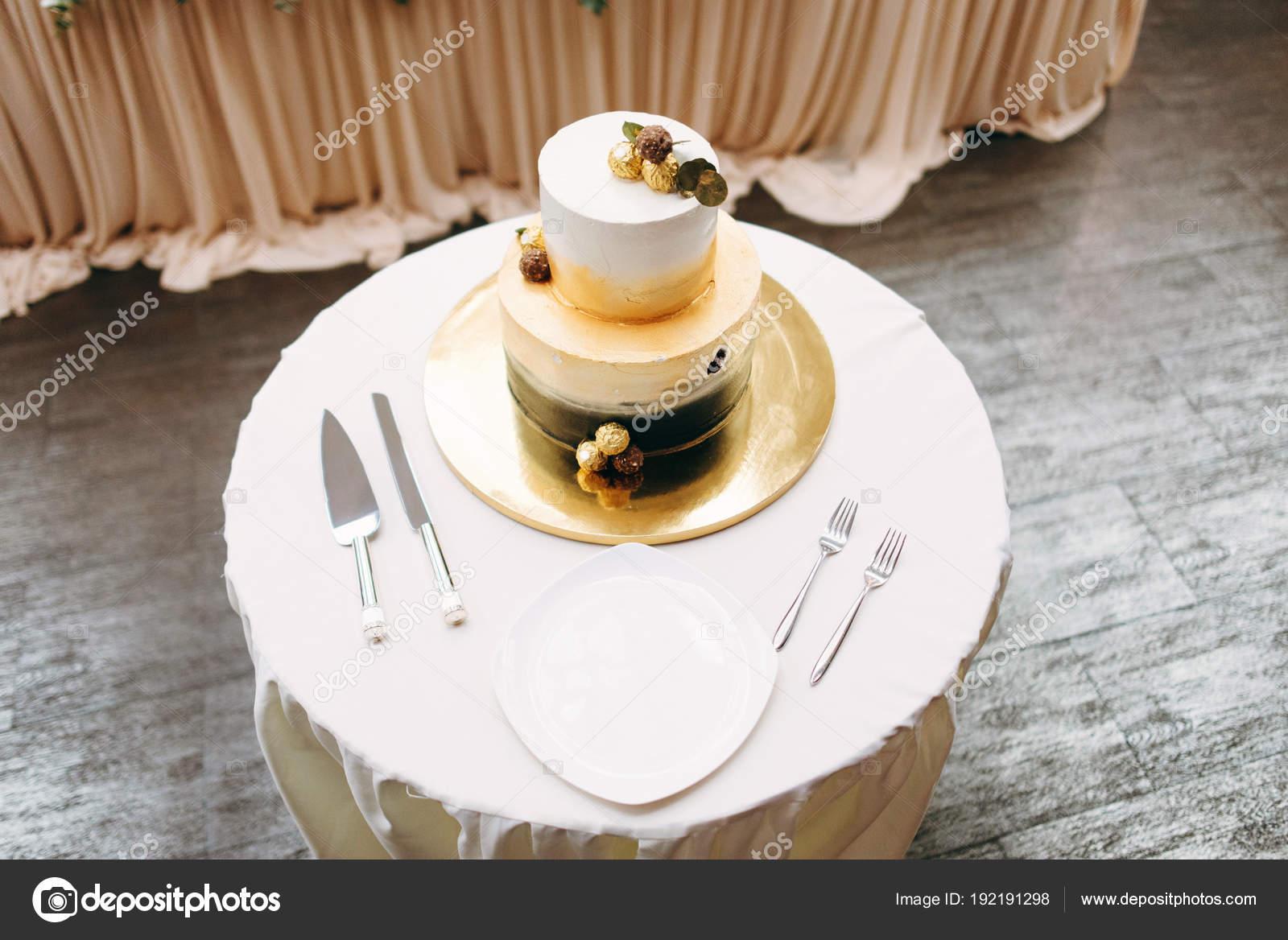 Wedding Cake Served Golden Cake Stand White Plate Forks Knife ...