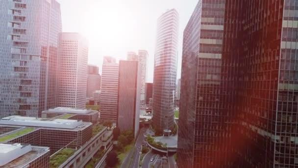 Letecký pohled na mrakodrapy krásné město panorama pohled při západu slunce světla