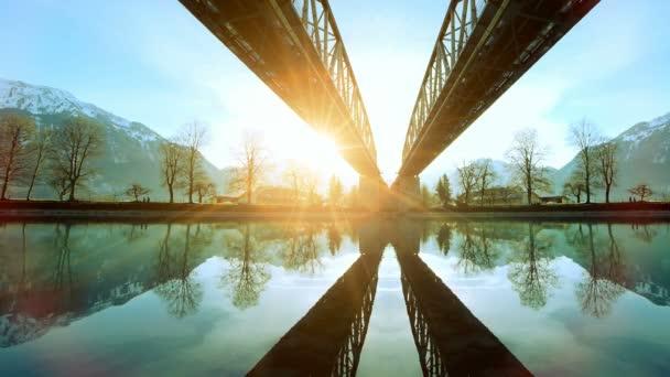 Futuristische Architektur, Die Moderne Brücke See Fluss Panorama Natur  Sonnenuntergang U2014 Stockvideo