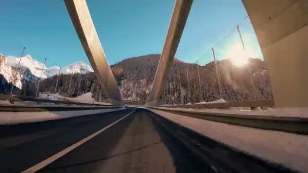 palubní auto pohled hnací jednotka silnici ulice pohybem futuristické