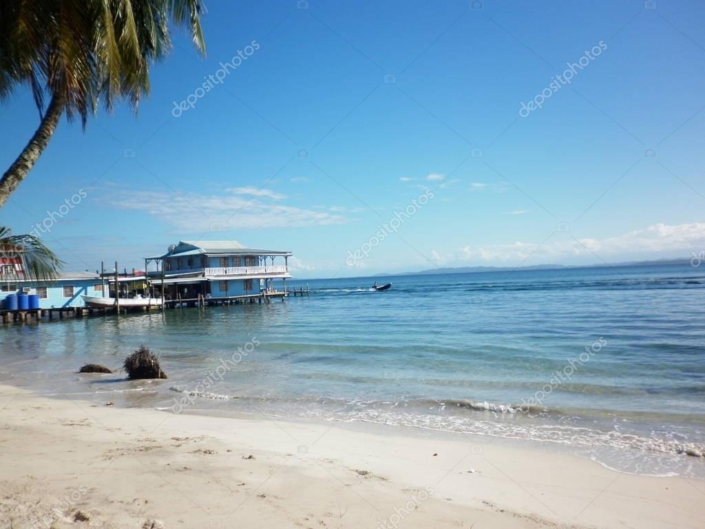 Muelle en Isla Carenero