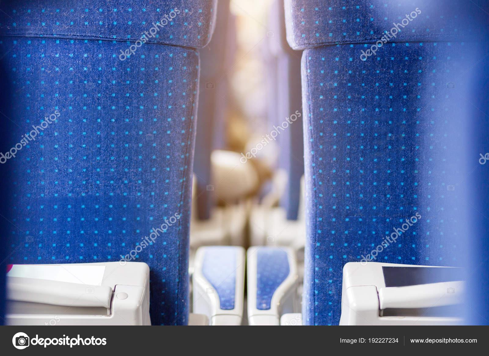 Фото широких поезд, порно кончает между груди и на лицо