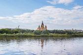 Fotografie der Fluss Oka und die Alexandernevsky-Kathedrale in Nischni Nowgorod