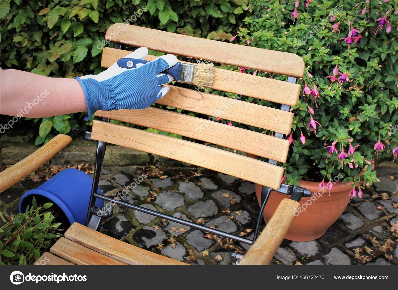 Una imagen de una muebles de jardín - pintura — Foto de stock ...
