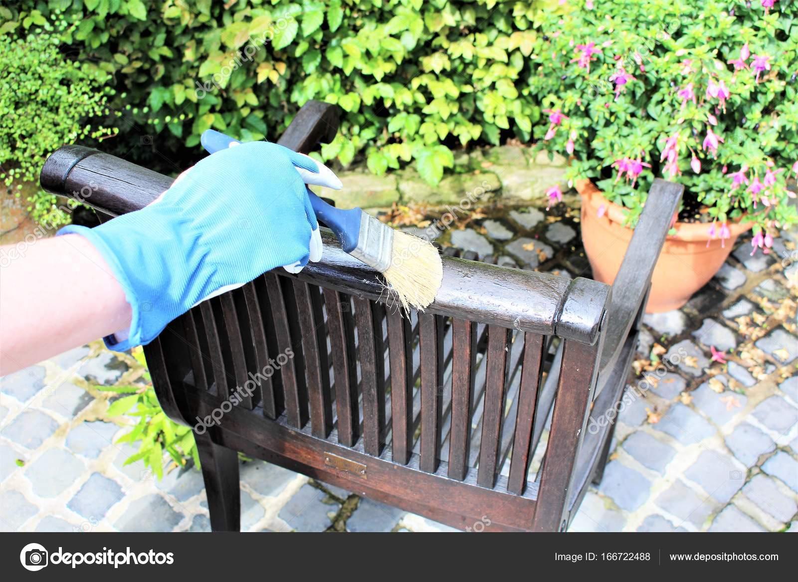 Una imagen de una muebles de jardín - pintura — Fotos de Stock ...
