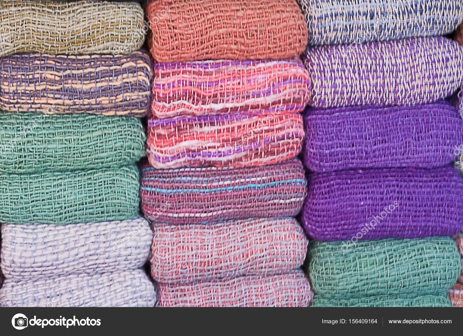 Kolekce různé barvy deka šátky pro ženy — Stock Fotografie ... 05d104e86a