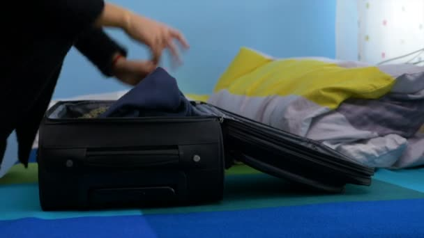 Žena z domu velmi pozdě na letiště Rusové s přípravou zavazadel