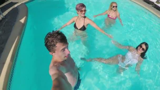 vrienden maken op vakantie