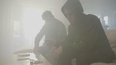 Smoking weed stock videos royalty free smoking weed footages depositphotos - Video sesso sul divano ...