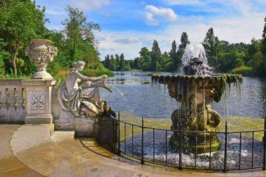 İtalyan bahçeleri Londra Hyde Park'ta