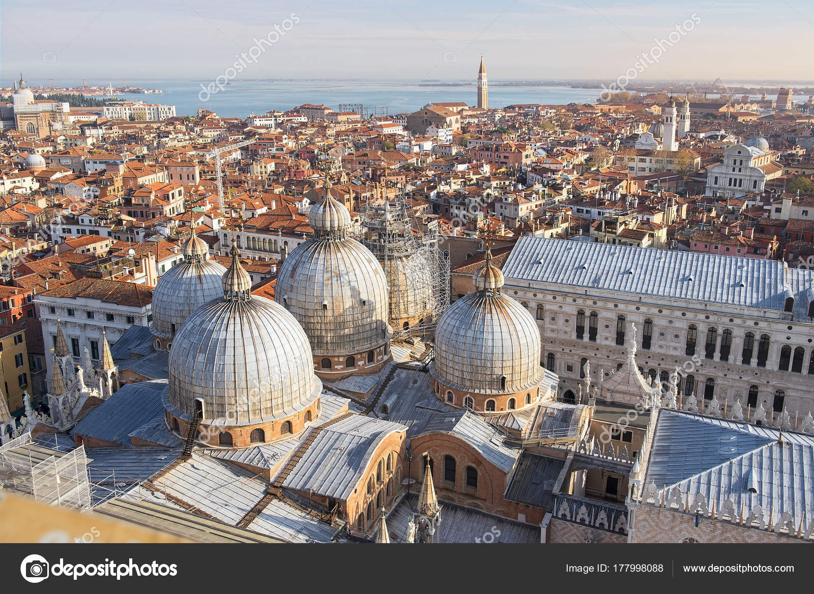 Magnificent View Roofs Venice Top Mark Bell Tower San Marco — Stock ...