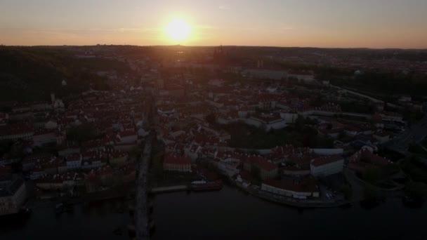 Letecký pohled na prahu při západu slunce, Česká republika