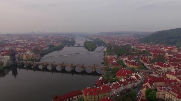 Vltavy a podél řeky Praha, letecký pohled