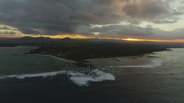 Légi jelenet Mauritius Sziget naplementekor