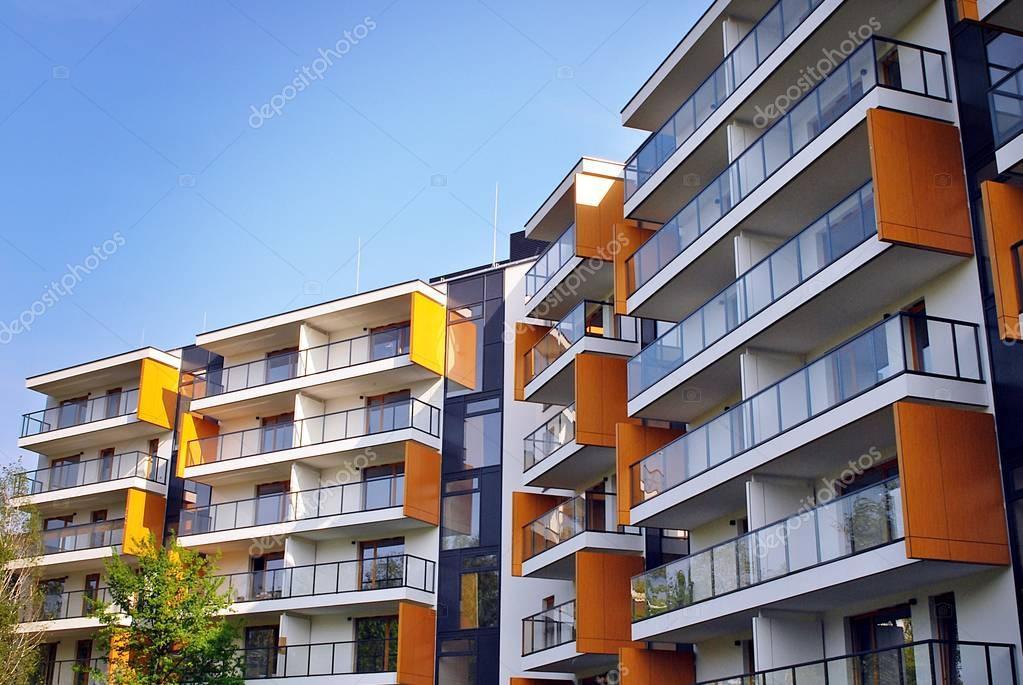 Im genes edificio de apartamentos exteriores de for Colores para apartamentos modernos