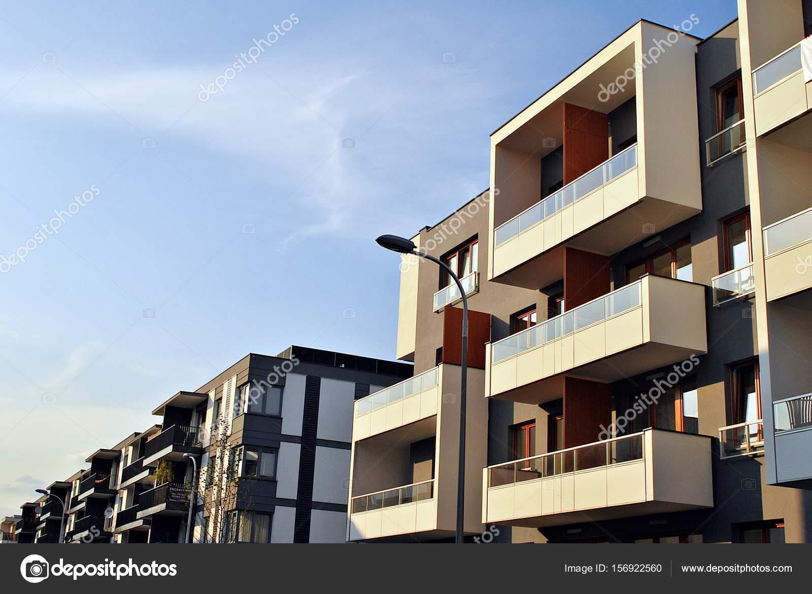 Architektonische Details Des Modernen Apartmenthaus U2014 Foto Von  Grand Warszawski