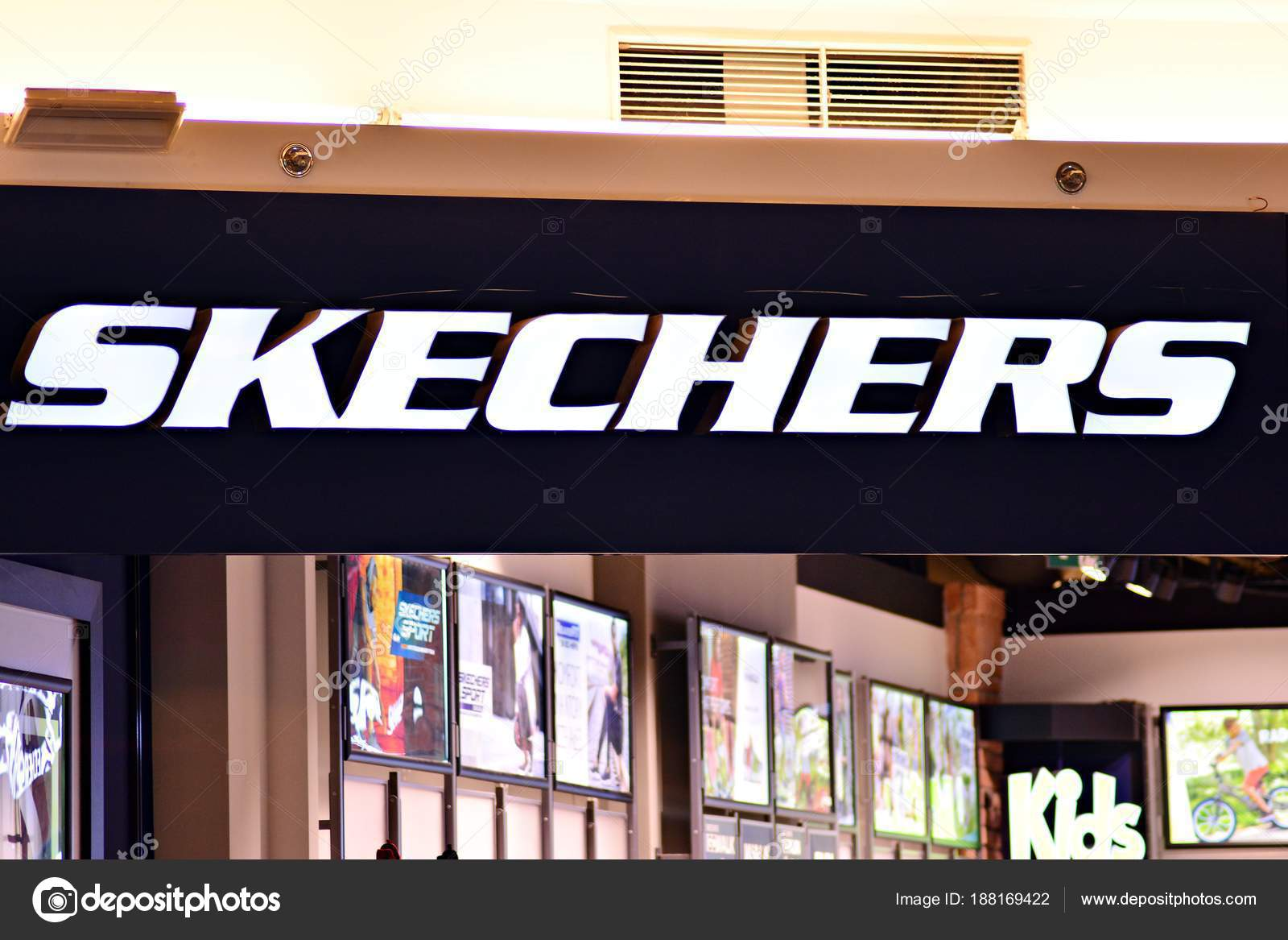 79b1284c41ea Warsaw Poland March 2018 Sign Skechers Company Signboard Skechers — Stock  Photo