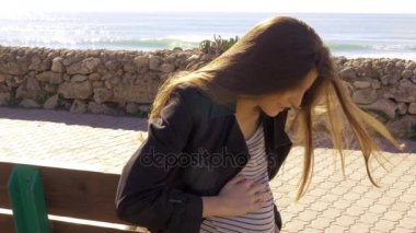 Pregnant woman not able to stand up for pain of contractions