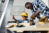 afro-amerikai apa és fia felújítási