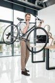 üzletember könyv kerékpár
