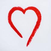 Elszigetelt fehér piros készült szív