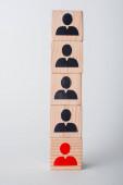 dřevěné kostky na bílém, koncept lidských práv