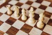 staré dřevěné šachovnice