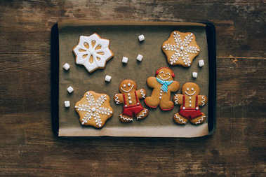 gingerbreads on baking tray