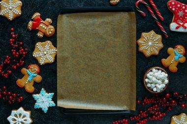 gingerbreads around baking tray