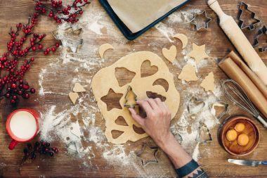 preparing christmas cookies
