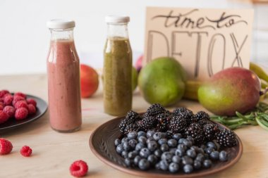detox drinks and organic food