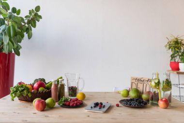 detox drinks and organic food