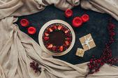 κέικ σοκολάτας και κεριά