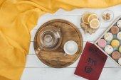 Fotografie tea set and macarons