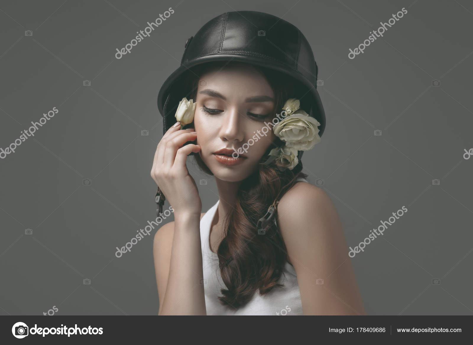 Молодая девушка изображений кунилингус