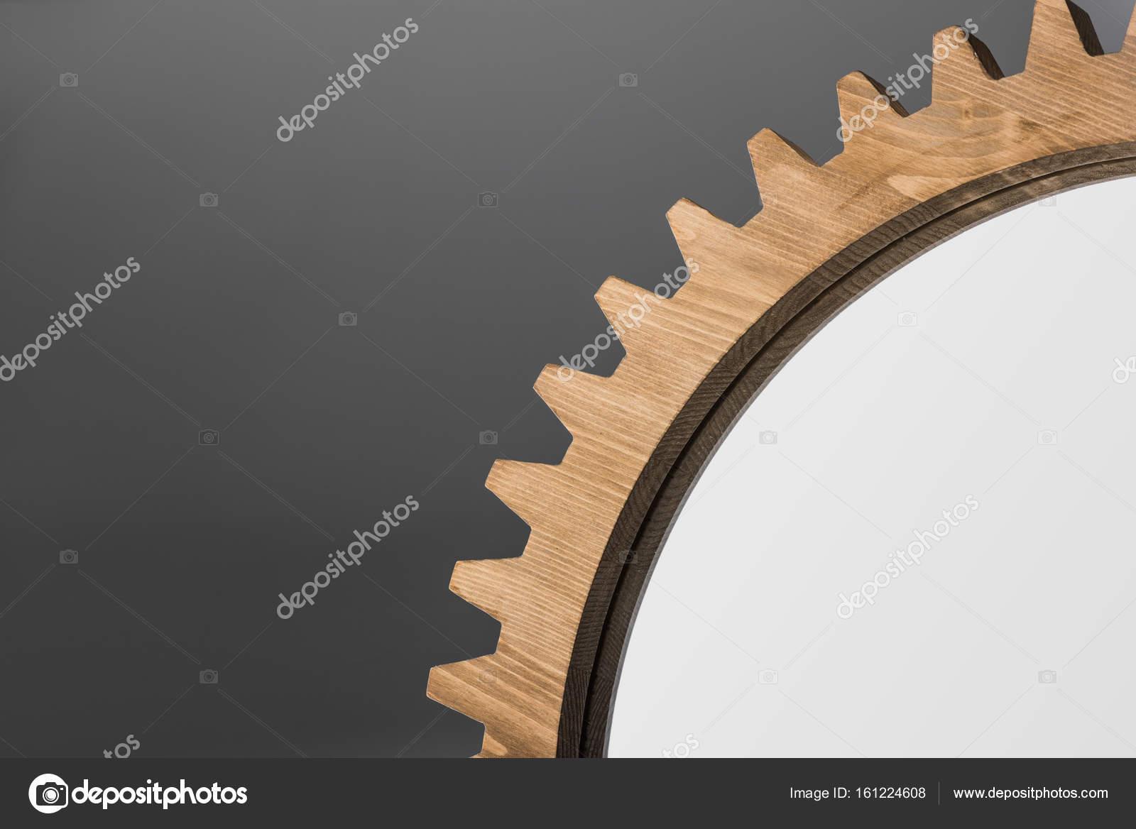 espejo enmarcado por madera rueda dentada — Fotos de Stock ...