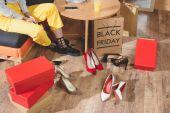 Photo girl choosing heels