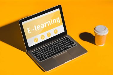 laptop with e-learning inscription