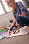 donna carta crafting a casa